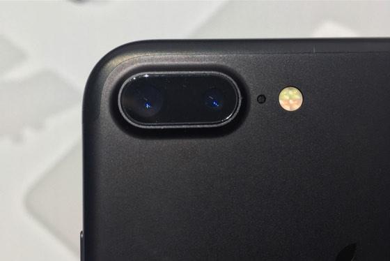 iphone-7-plus-dual-lens-primary-camera